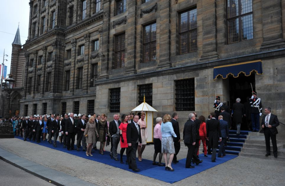 Guests arrive to attend the inauguration