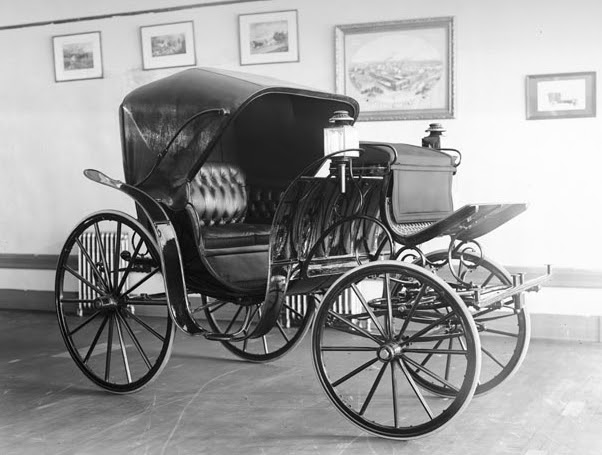 File:Studebaker Carriage.jpg
