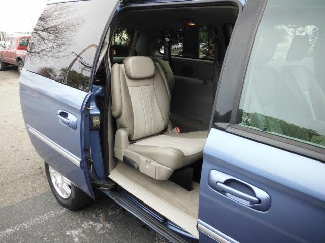 2007 Chrysler Town Country Wheelchair Van For Sale