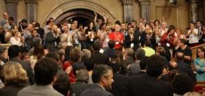 El parlament català aprova la primera llei que sanciona l'homofòbia