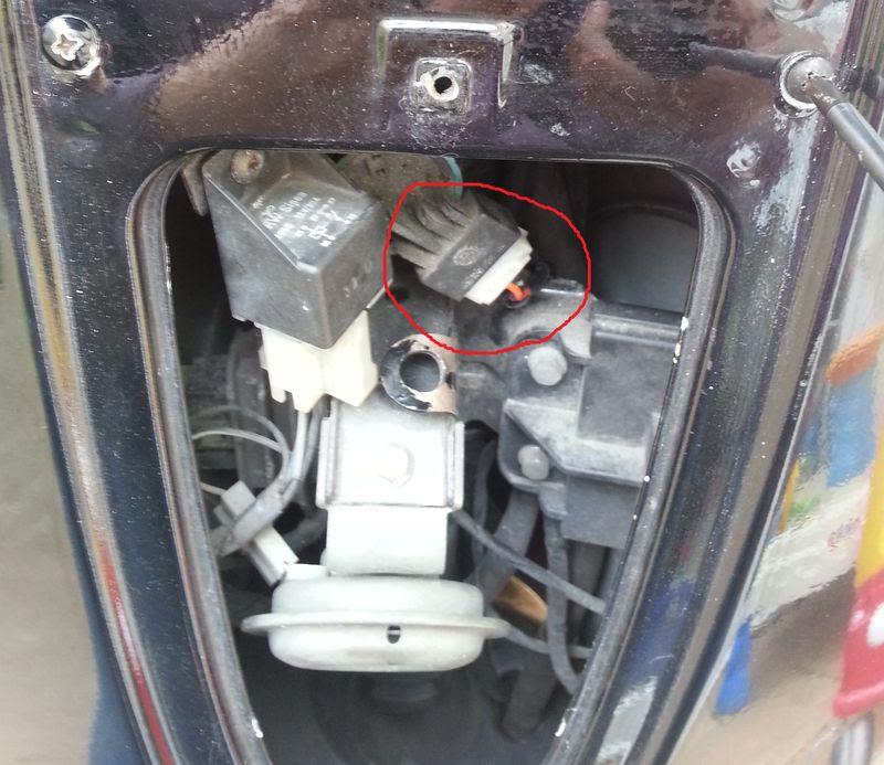 Modern Vespa : Damaged ET4 wiring after theft - please help!