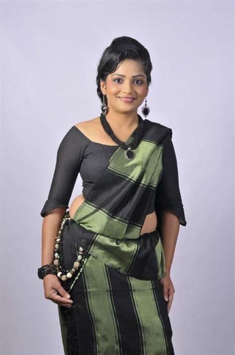 Handloom Kandyan Saree   Kandyan Saree Designs