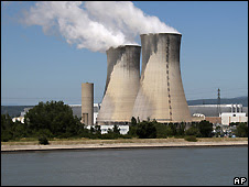 The Tricastin nuclear plant in Bollene, France - 9/7/2008