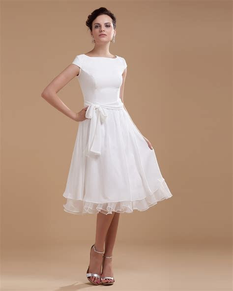 LOVELY SHORT DRESSES FOR THE BRIDE'S COMFORT   Godfather Style