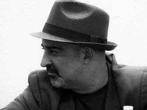 Ricardo Vigueras dialogando