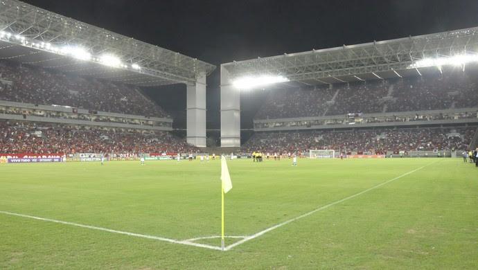 Goiás e Flamengo na Arena Pantanal (Foto: Robson Boamorte)