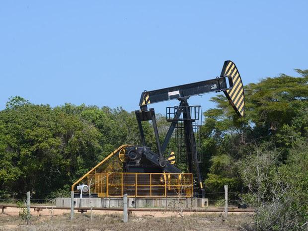 Área de extração de   petróleo  da Petrobras  (Foto: Carlos Alberto Silva/ A Gazeta)