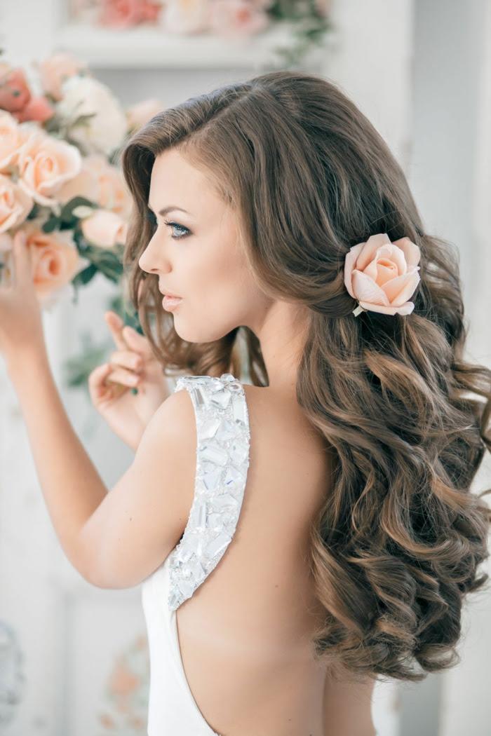 Frisuren Halblange Lockige Haare Haarschnitte Beliebt In Europa
