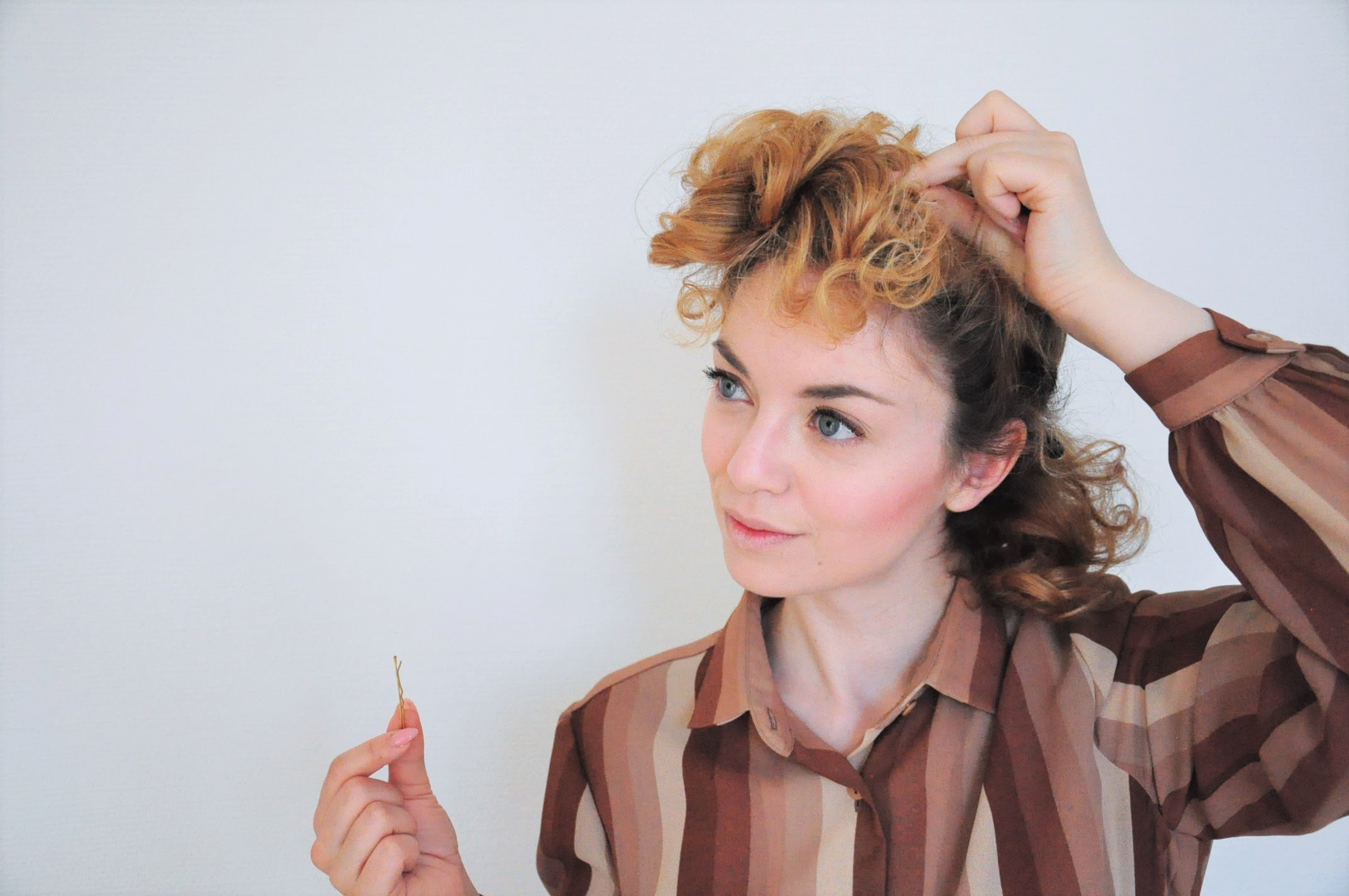 Curly 1940s Hair Easy Photo Tutorial For A Vintage 40s Hairstyle