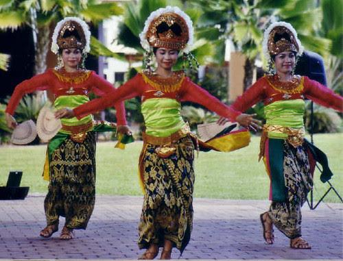 Sasak dancers Darwin