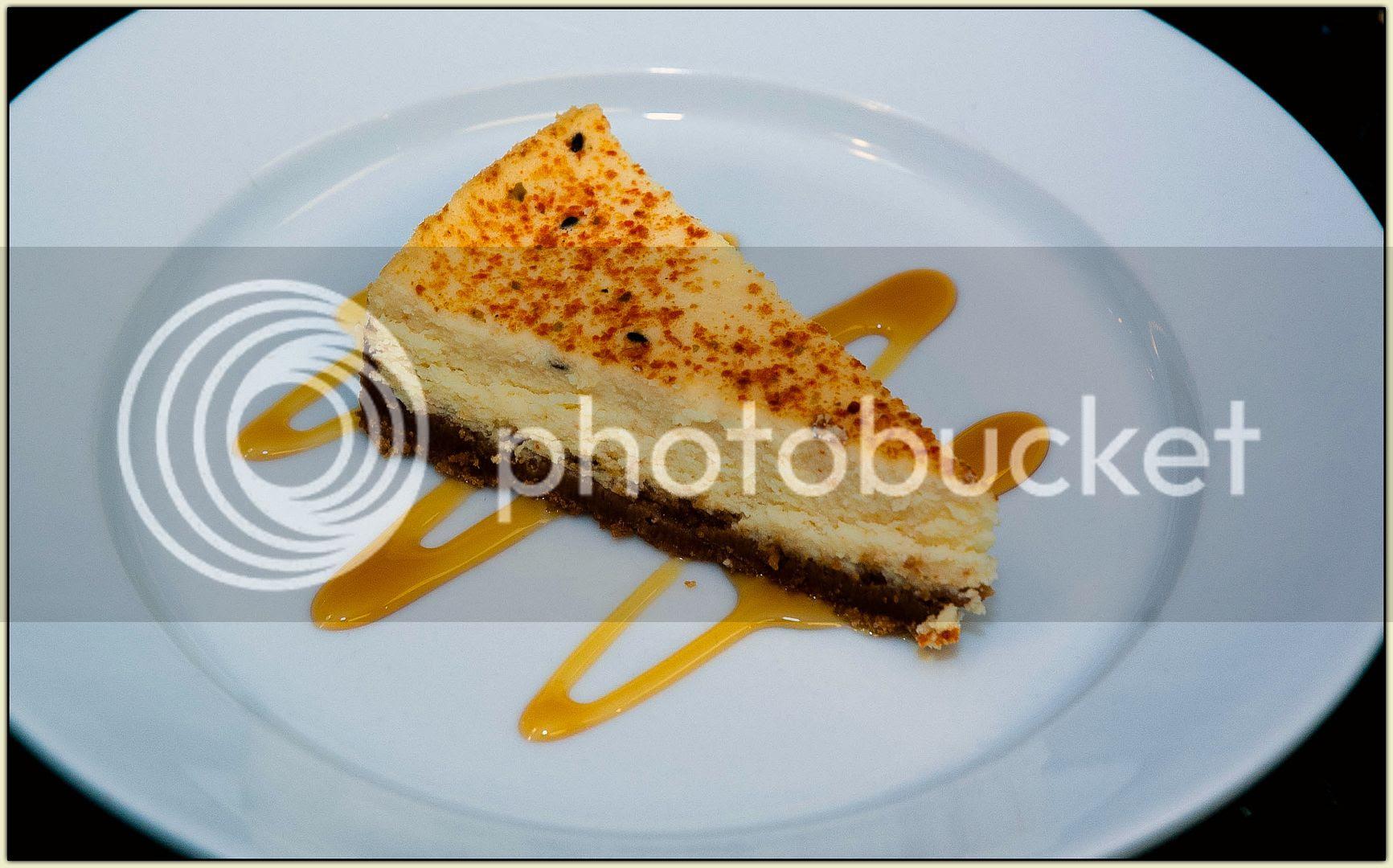 Togarashi cheesecake slice