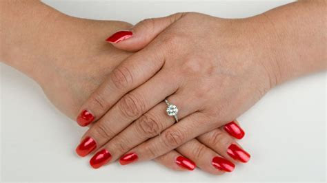 What Hand Does An Engagement Ring Go On   Estate Diamond