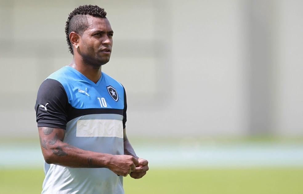 Jobson, ex-jogador do Botafogo, responde a um processo por suspeita de estupro de vulnerável (Foto: Bruno de Lima/Agencia o Dia)