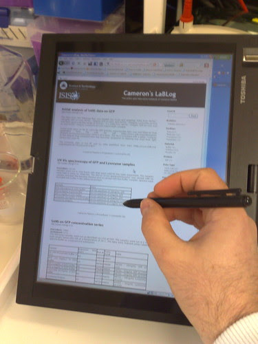 LaBLog on a tablet in the lab