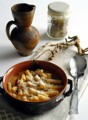 Minestra di pasta e legumi profumata al finocchietto selvatico