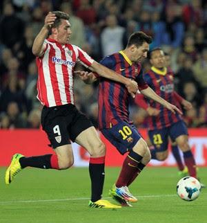 Messi e Laporte Barcelona x Athletic Bilbao (Foto: EFE)