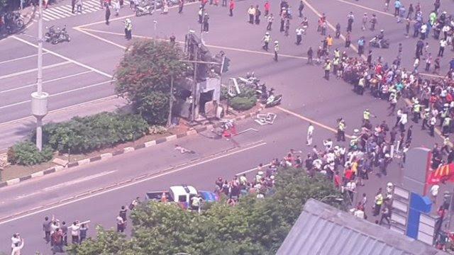 Kondisi terbaru pasca ledakan di jalan MH Thamrin, Jakarta Pusat. Foto dari Twitter/@dapurivan