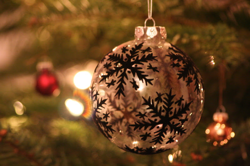 File:Christmas bauble black and white.jpg