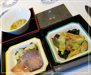 東京ステーションホテル「Blanc Rouge」にて、どこか和風な「フレンチ松花堂」。