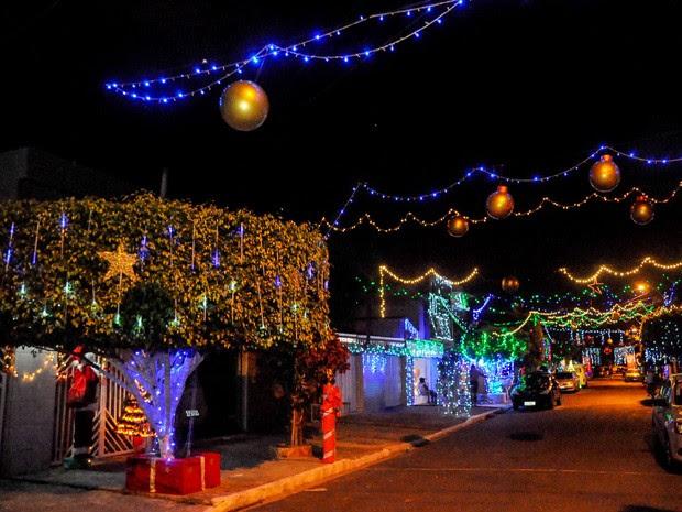 A Rua Tupiniquins, em Santo Amaro, receberá como prêmio uma festa completa de Réveillon (Foto: Lu Streithorst / PCR)