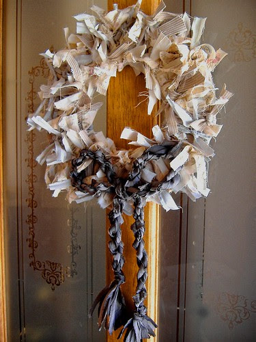 finished wreath on door