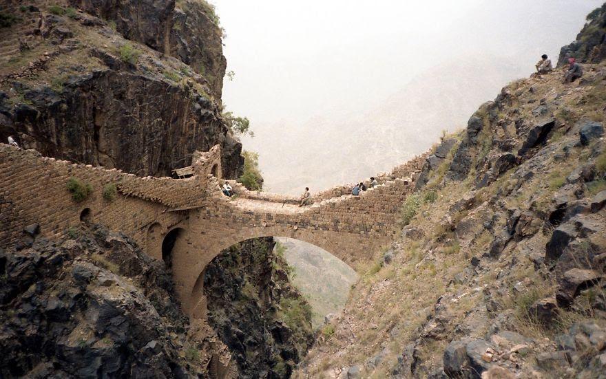 vecchi-antichi-ponti-misteriosi-nel-mondo-50