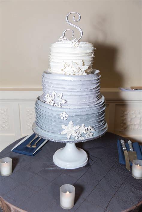 popular wedding cake flavors 2017