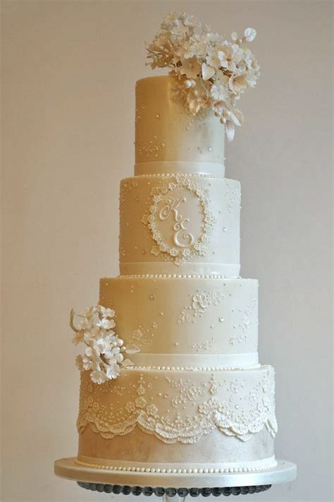 Timeless elegance wedding cake   The Frostery