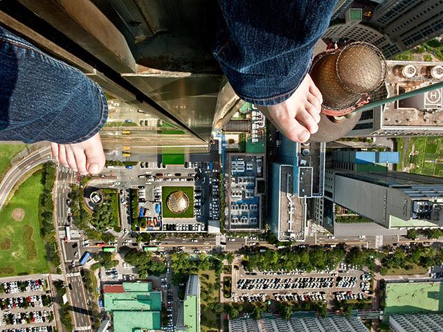 Ahn Jun self-portraits: A vertical shot taken by artist Jun Ahn