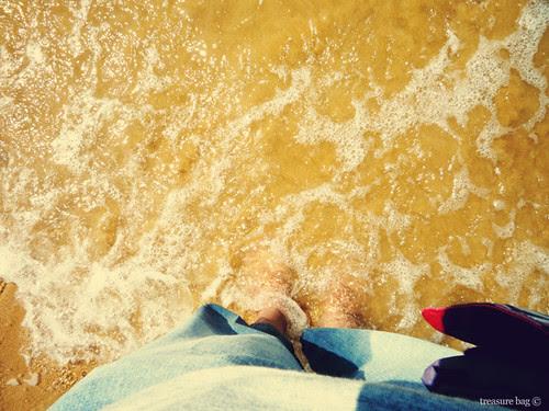 feet vs water