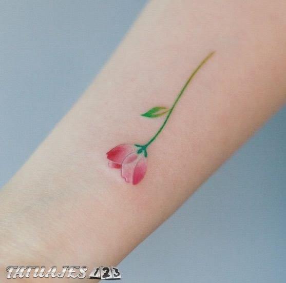 Preciosos Tatuajes Pequeños De Flores Tatuajes 123