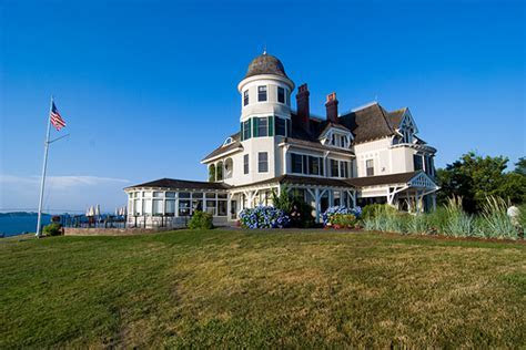 How Much Does a Wedding at the Castle Hill Inn Cost