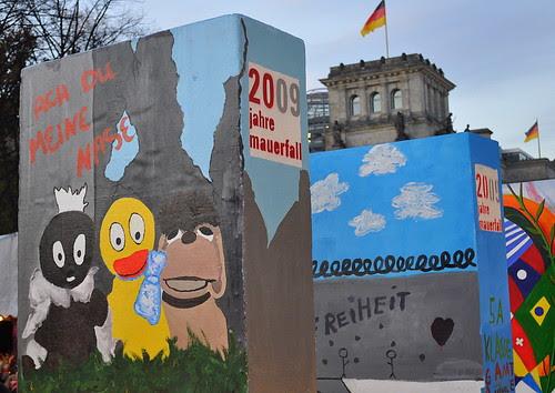 Dominosteine am Brandenburger Tor (43)