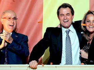 Ver vídeo 'CiU logra una rotunda victoria, el PSC y ERC se hunden'