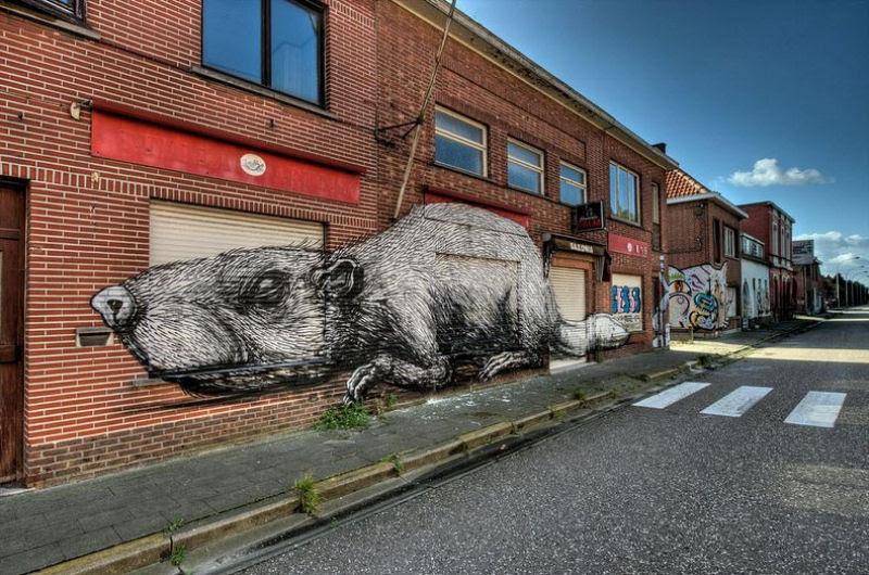 A vila condenada de Doel e sua arte de rua surpreendente 08
