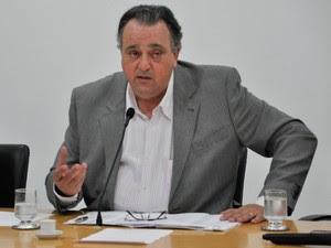 Pedro Henry (PP) depôs durante reunião extraordinária da Comissão da Saúde da AL nesta terça (3). (Foto: Renê Dióz/G1)