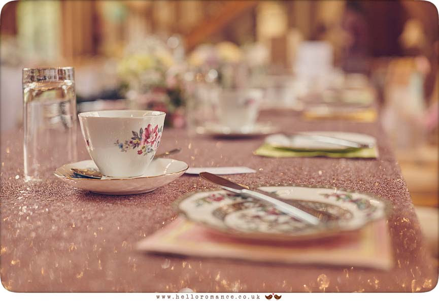 DIY wedding decor, vintage crockery, Shallow DOF wedding details - www.helloromance.co.uk