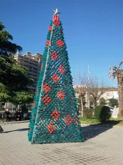 Christmas Tree Made by Citizens from 2200 Recycled Plastic