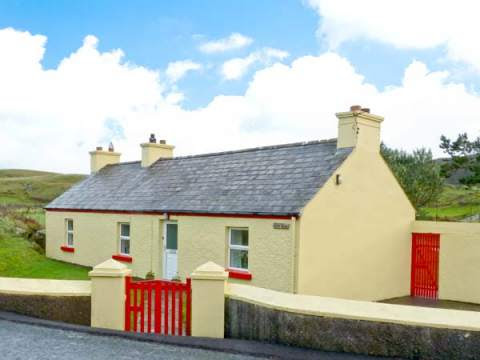 Ballymichael, County Donegal  Balloor  Self Catering Holiday Cottage