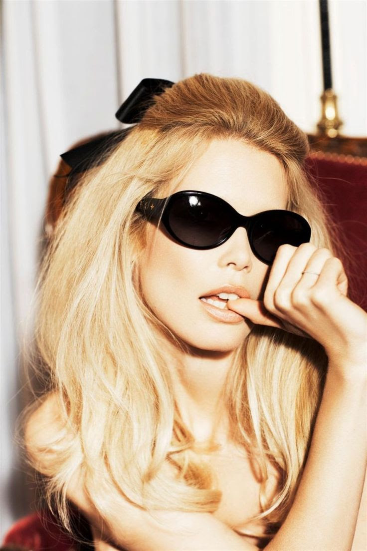 Claudia Schiffer by Ellen von Unwerth for Vogue Italia, April 2008. #fashion #editorial #sunglasses