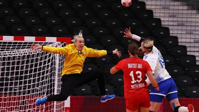 Алексеев прокомментировал претензии норвежских гандболисток к судейству в полуфинале ОИ