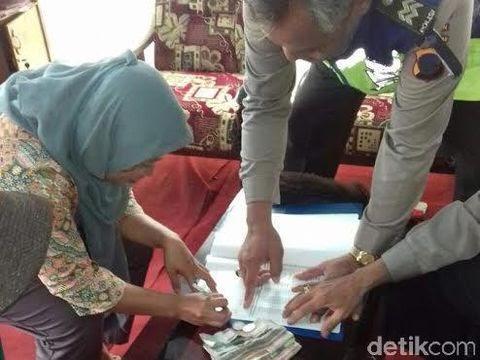 Detik Berita: Ibu Penjual Sayur Asal Kebumen Ini Temukan Uang Jutaan Rupiah Ke Polisi http://ift.tt/2sqmFrA