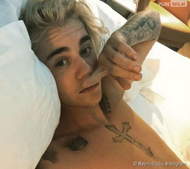Justin Bieber fuma maconha em show e vídeo cai na rede