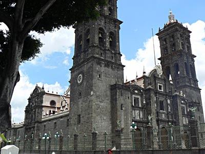 cathédrale de puebla.jpg