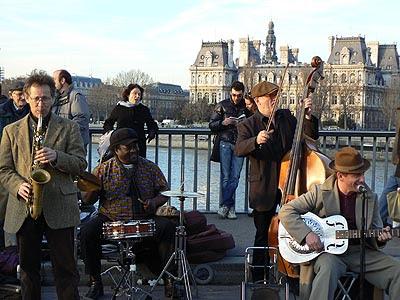 jazz sur le pont Louis Philippe.jpg