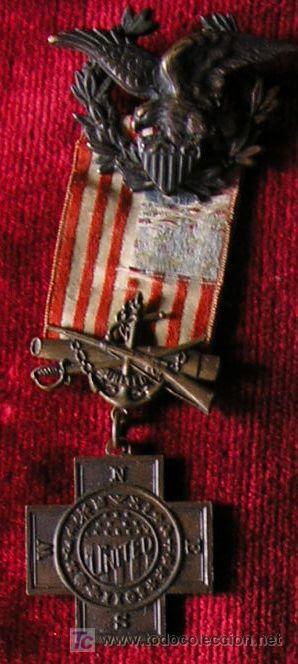 Interesante conjunto de un soldado USA en Puerto Rico: fotografía tomada en uniforme de campaña, en  (Militar - Medallas Extranjeras Originales)