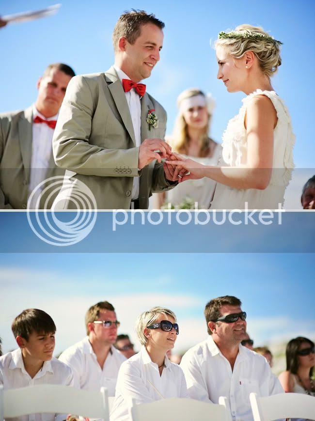 http://i892.photobucket.com/albums/ac125/lovemademedoit/welovepictures/StrandKombuis_Wedding_068.jpg?t=1324654903