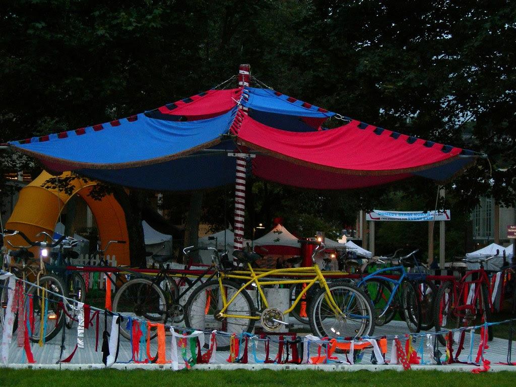 2007-08-31 Bumbershoot Carousel (2)