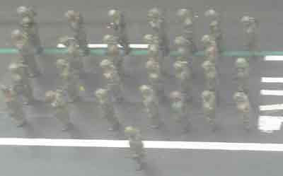 soldiers-at-start