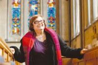 Fiel da Igreja Universal vence processo em Tribunal Europeu por direito de exibir símbolos religiosos no ambiente de trabalho